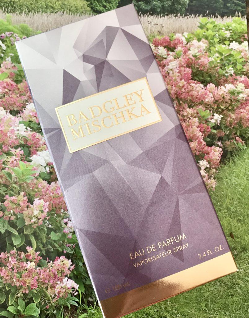 Boîte extérieure d'eau de parfum Badgley Mischka, neversaydiebeauty.com