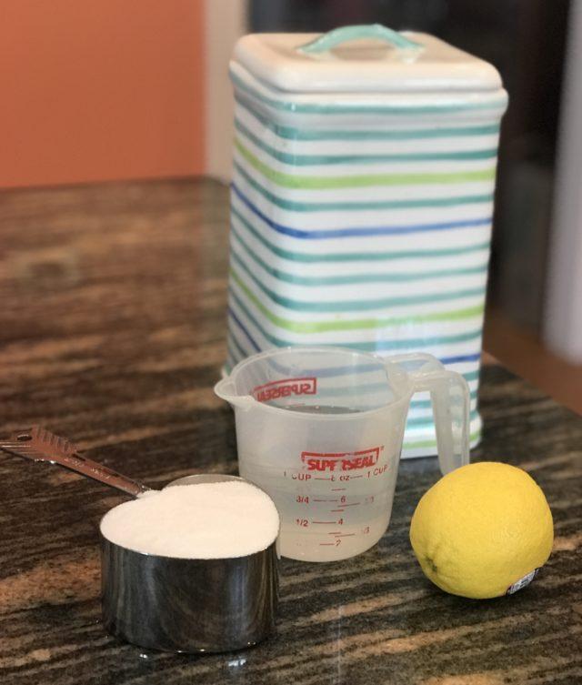 ingrédients pour faire des tranches de citron confits, neversaydiebeauty.com