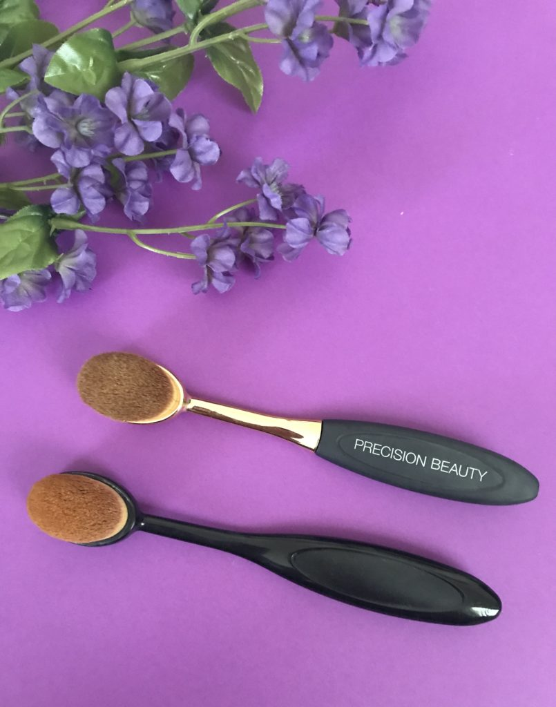 2 pinceaux de maquillage en soie / poils de style Artis, taille ovale 6, neversaydiebeauty.com