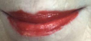échantillon de rouge à lèvres Pat McGrath LuxeTrance dans une teinte rouge chaude McGrath Muse