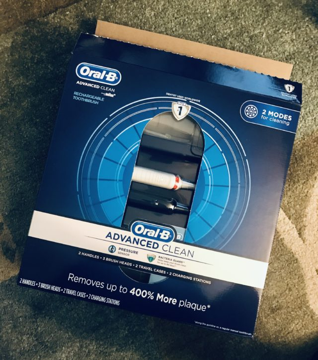 boîte extérieure pour brosse à dents électrique Oral B Advanced Clean