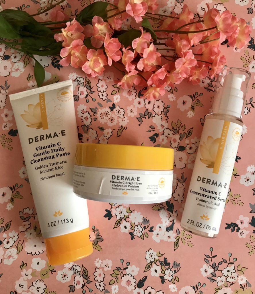 trio de produits de soin Derma E Vitamine C dans leurs flacons sans boîte extérieure