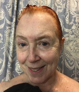mes cheveux mouillés après avoir rincé la couleur Color and Co.